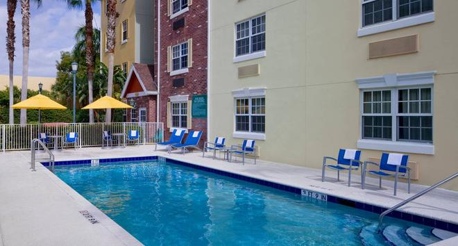 TownePlace Suites by Marriott Miami Airport West/Doral Area - Doral - Πισίνα