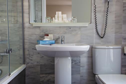 Bcn Urban Hotels Del Comte - Barcelona - Bathroom