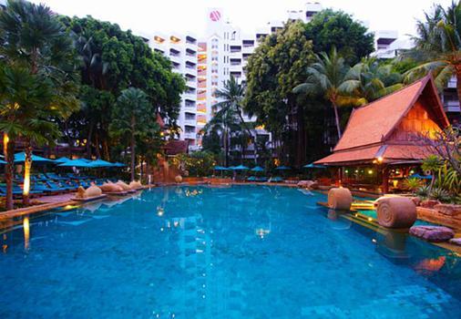Avani Pattaya Resort - Pattaya - Uima-allas