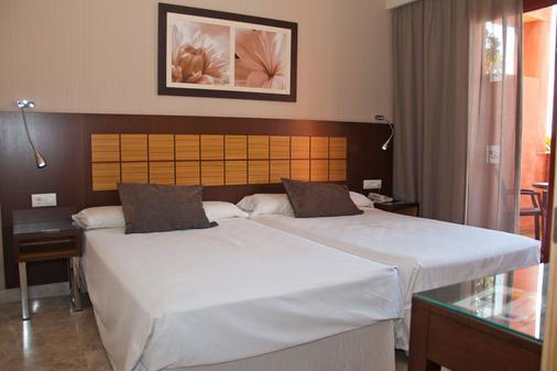 Holiday World Premium Hotel - Benalmádena - Bedroom