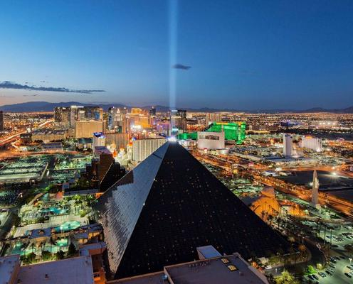 Luxor Hotel and Casino - Las Vegas - Edificio