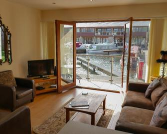 Tewitfield Marina - Carnforth - Living room