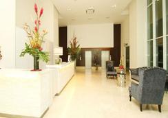 塞里武吉塞隆最佳服務式公寓 - 吉隆坡 - 大廳