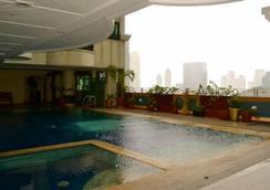 Makati Palace Hotel - Manila - Uima-allas