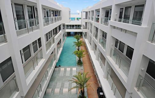Astoria Current - Boracay - Building