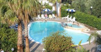 Hotel Magnolia - Vieste - Piscina