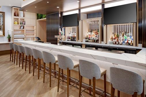 DoubleTree by Hilton Chicago - Magnificent Mile - Chicago - Bar