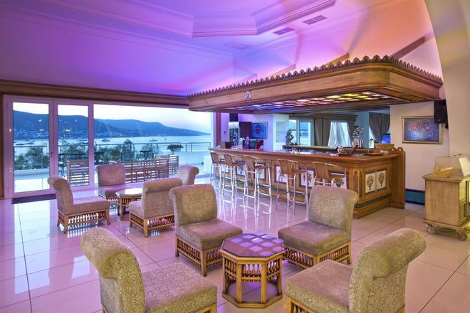 Salmakis Resort & Spa - Bodrum - Bar