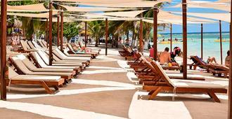 Kalma 40 Cañones - Majahual - Beach