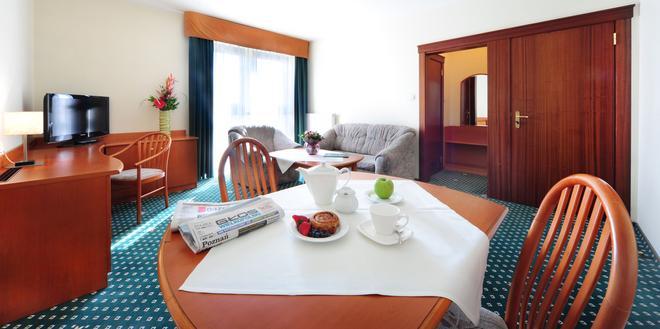 Hotel T&T - Poznan - Living room