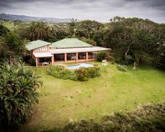 Ku-Boboyi River Lodge - Port Edward - Building