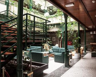 Hotel Universal - Geres - Lobby