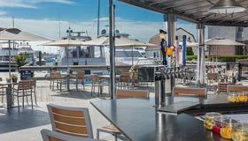 The Newport Harbor Hotel & Marina - Ньюпорт - Ресторан