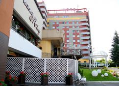 Hotel Tourist - Riwne - Gebäude