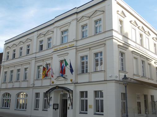 Hotel Und Restaurant Deutscher Kaiser - Perleberg - Building