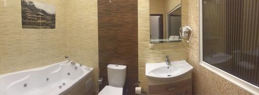 City Life Hotel - Moscow - Bathroom