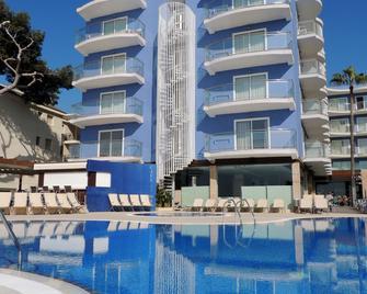 Hotel Augustus - Cambrils - Pool