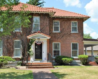 Grand Colonial Bed and Breakfast - Herkimer - Gebouw