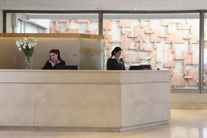 Mr Hotel (Ex Hotel Neruda) - Santiago - Front desk