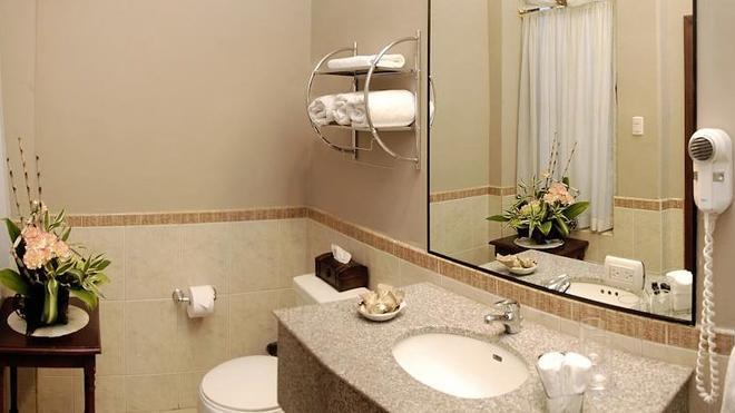 Mansión Del Río - Guayaquil - Bathroom