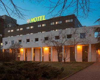 B&B Hotel Cremona - Cremona - Building