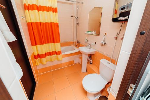 Hotel Protex - Yekaterinburg - Bathroom
