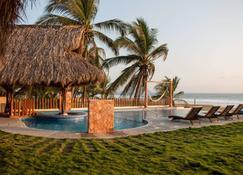 Hotel Villas Punta Blanca - Zihuatanejo - Piscina