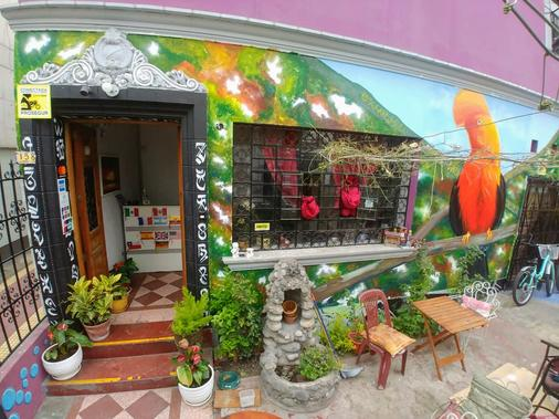 Explorers House - Hostel - Lima - Außenansicht