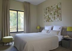 Hotel Les Herbes Folles - Mauregard - Bedroom