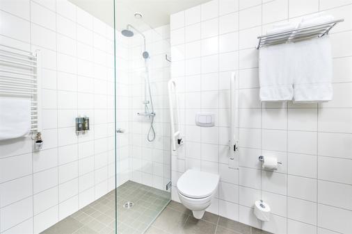 Fosshotel Reykjavik - Reykjavik - Bathroom