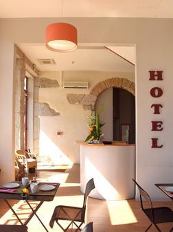 Hotelo - Lyon - Front desk