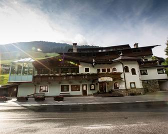 Hotel Höhlenstein - Tux-Vorderlanersbach - Building