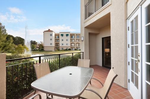 Embassy Suites by Hilton Temecula Valley Wine Country - Temecula - Balcony
