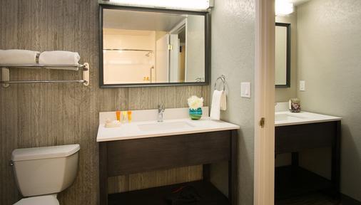 Hotel Azure - South Lake Tahoe - Bathroom