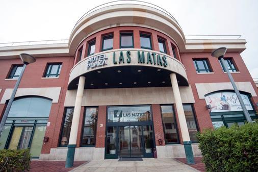 Hotel Plaza Las Matas - Las Rozas - Building