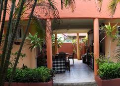 Dona Marta Boutique Hotel - Hinunangan - Building