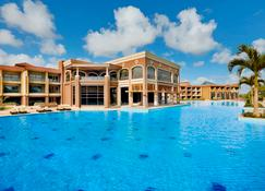 Hilton Alexandria King's Ranch - Alexandria - Edifício