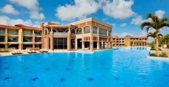 Hilton Alexandria King's Ranch - Alexandria