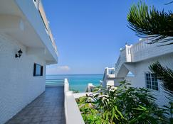 Beach House Condos Negril - Negril - Byggnad