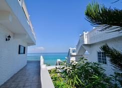 Beach House Condos Negril - Negril - Byggnad