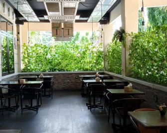 Hotel Setia Budi - Madiun - Restaurant