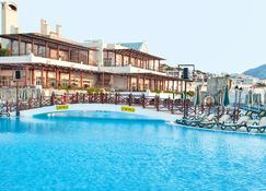 Asteria Bodrum Resort - Bodrum - Piscina