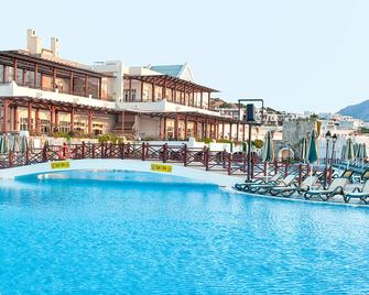 Asteria Bodrum Resort - Бодрум - Бассейн