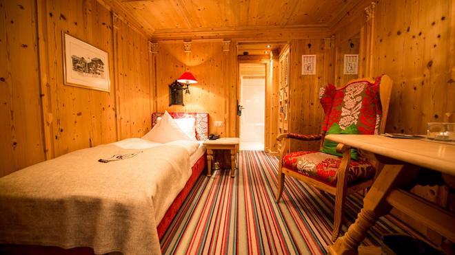 Romantik Hotel Julen - Zermatt - Makuuhuone