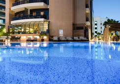 Majestic City Retreat Hotel - Dubai - Pool