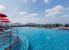 The Charm Resort Phuket - Patong - Pool