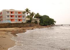 Hôtel Les Polygones - Kribi - Byggnad