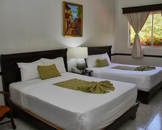 Platino Hotel & Casino - Santiago de los Caballeros - Habitación