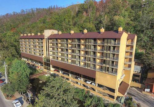 Gatlinburg Tn Hotels >> Edgewater Hotel Gatlinburg C 129 C 2 1 6 Gatlinburg Hotel