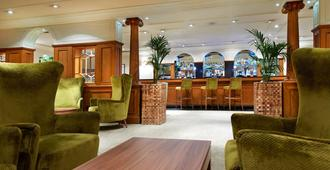 DoubleTree by Hilton Southampton - Southampton - Bar